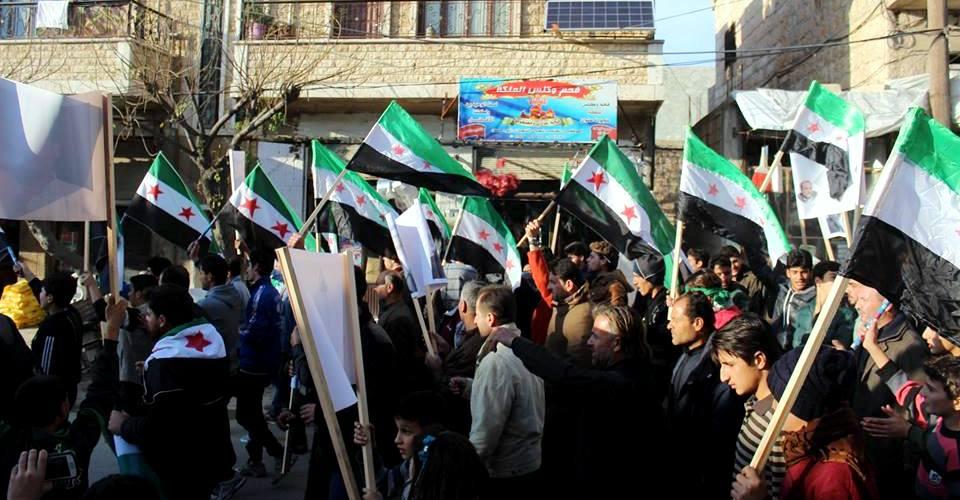 الثورة السورية تؤكد سلميتها بعودة المظاهرات