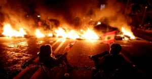الثورة اللبنانية ترفض حكومة دياب فور الإعلان عن تشكيلها والمحتجون يقطعون الطريق المؤدي إلى سورية