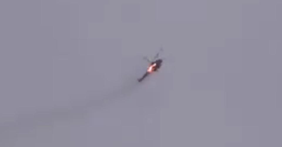 سقوط طائرة مروحية لقوات النظام في بلدة النيرب بريف إدلب